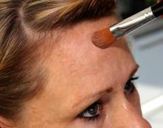 4 Foundation - für den warmen Hauttyp